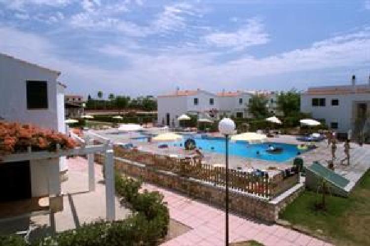 Hotel sa caleta apartamentos cala santandria for Apartamentos hovima jardin caleta