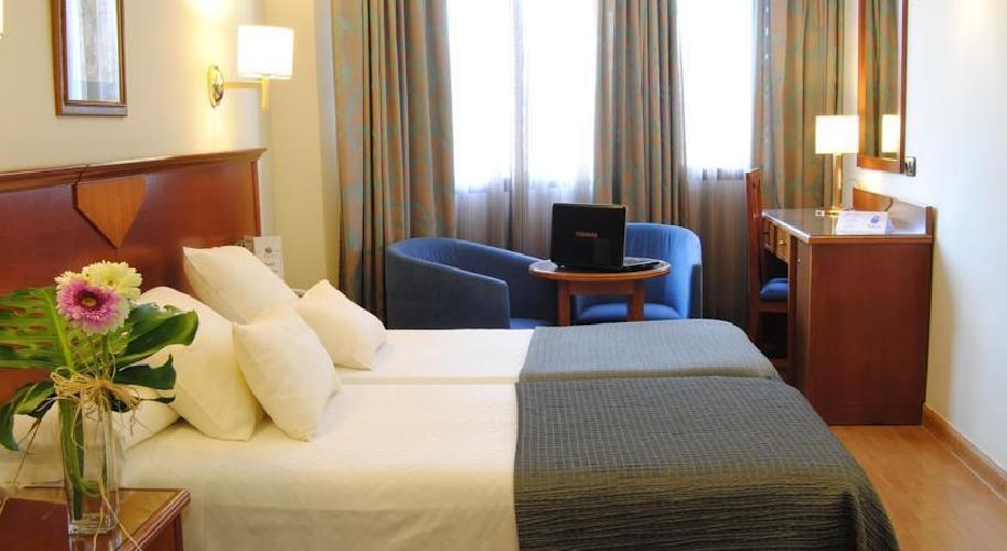 Hotel alixares grenade for Hotels grenade