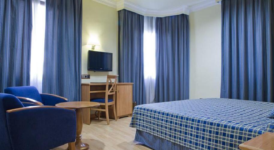 Hotel ii castillas madrid madrid - Hoteles de tres estrellas en granada ...