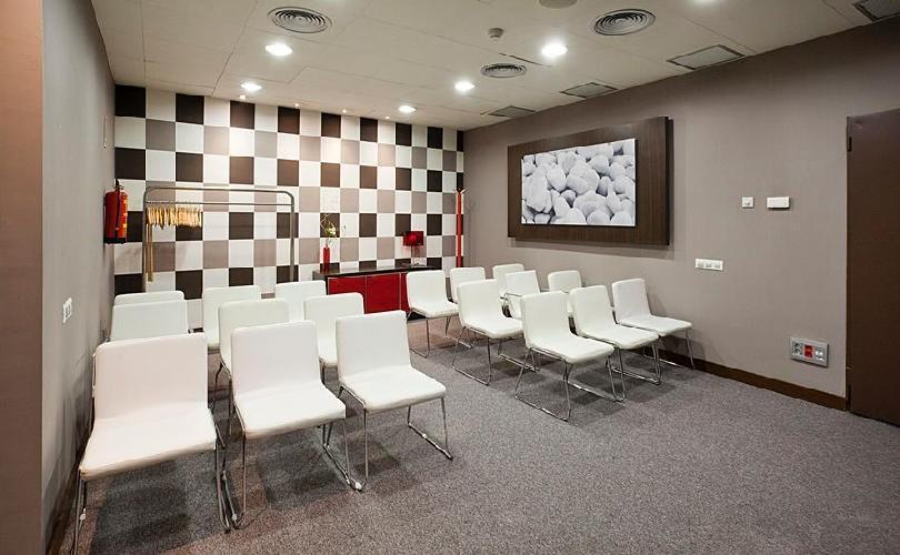 Hotel ilunion auditori barcelona - Hotel confortel auditori ...