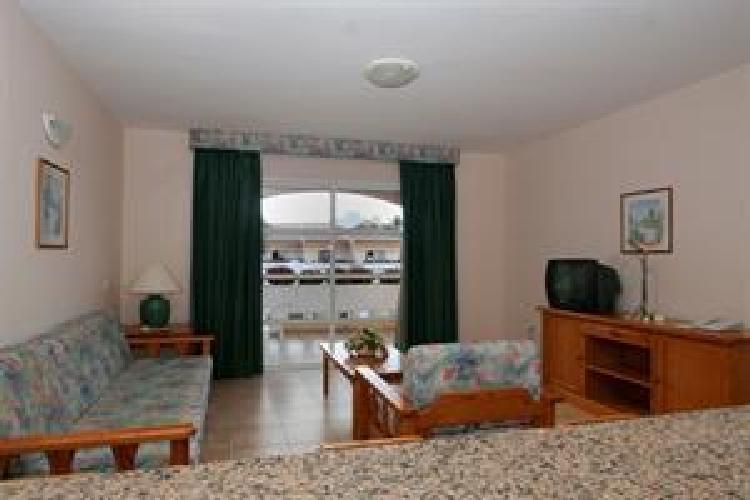 Hotel jardin del conde apartamentos valle gran rey for Apartamentos jardin del conde la gomera