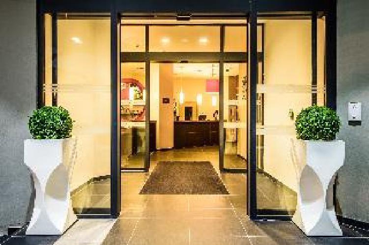 le bayonne hotel and spa bayona. Black Bedroom Furniture Sets. Home Design Ideas