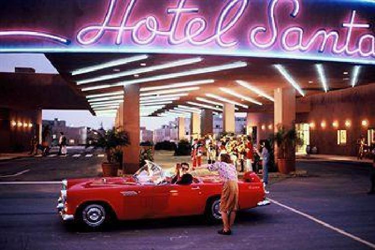 Camere Santa Fe Disneyland : Disney s hotel santa fe world s best hotels