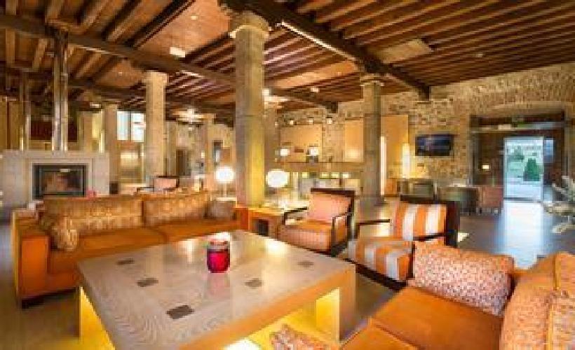 Hotel puerta de gredos barco de avila for Oceanografic valencia precio 2016