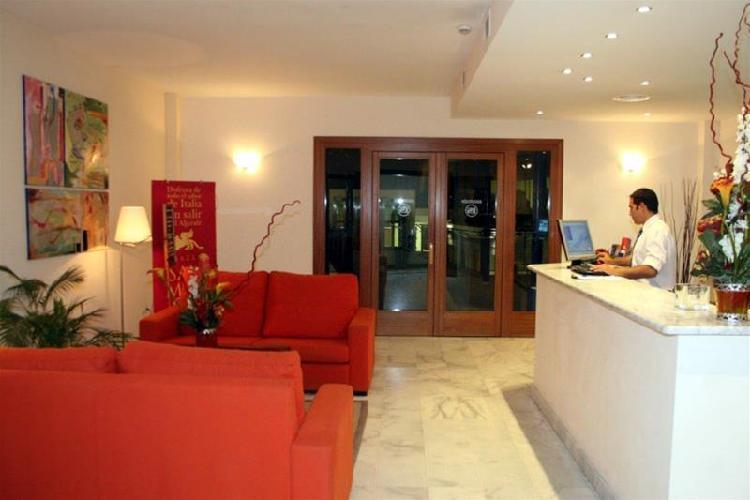 Hotel lux sevilla bormujos bormujos - Apartamentos lux sevilla bormujos ...