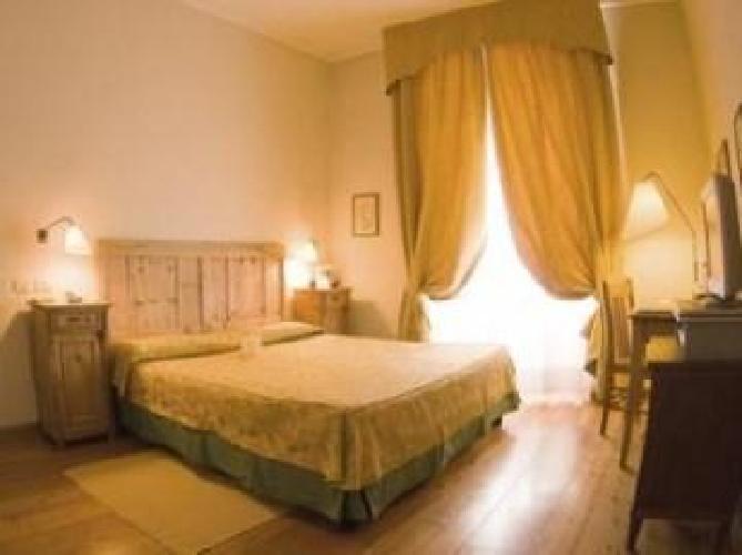 http://fotos.hotelius.com/images/hoteles/500x500/758493_foto_2.jpg