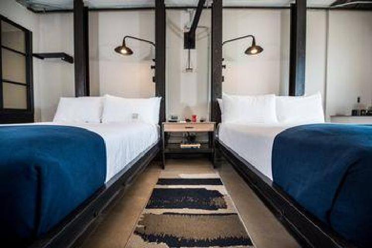Hotel found re phoenix phoenix az for Hotels 85016