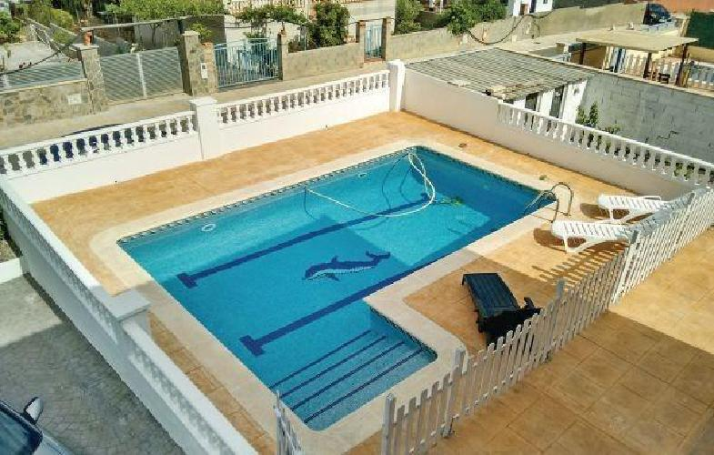 328877 casa en el vendrell con piscina aparcamiento for Piscina municipal el vendrell