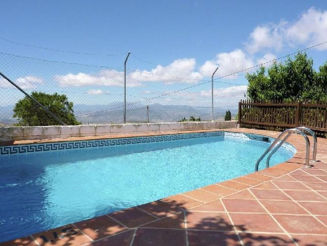 53743 cortijo en el centro de los nogales con piscina for Piscina jardin centro