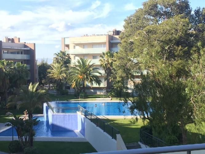 629318 en el centro de salou con internet piscina aire for Hoteles en salou con piscina
